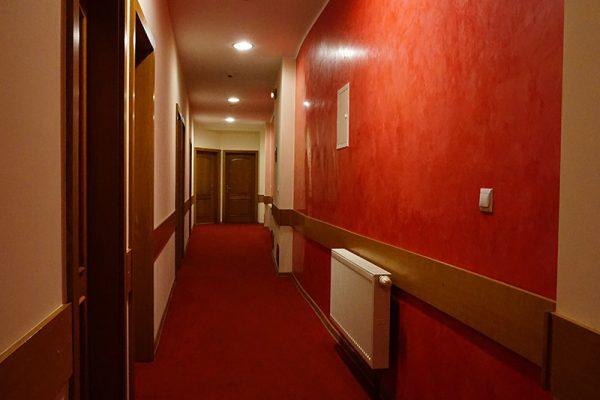 Korytarz w hotelu Lubliniec