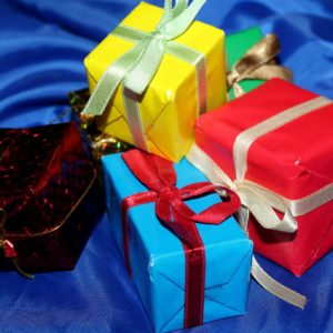 gifts-3854202_1920